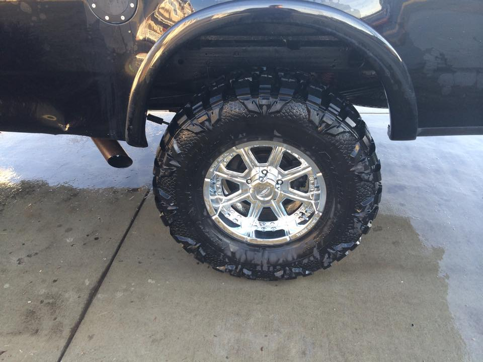 Merica Motorsports rims and tires